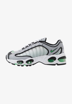 AIR MAX TAILWIND IV - Baskets basses - wolf grey/green spark/white/black
