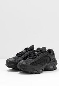 Nike Sportswear - AIR MAX TAILWIND IV - Sneakers laag - black - 3