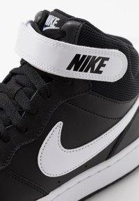 Nike Sportswear - COURT BOROUGH MID - Sneakers alte - black/white - 2