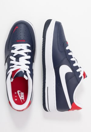 AIR FORCE 1 - Matalavartiset tennarit - obsidian/white/university red