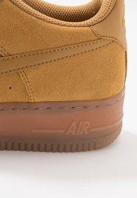Nike Sportswear - AIR FORCE 1  - Sneakers basse - wheat/light brown - 2
