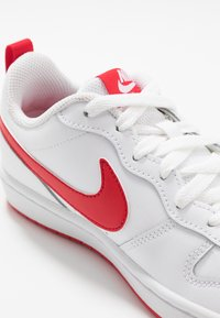 Nike Sportswear - COURT BOROUGH - Baskets basses - white/university red - 2