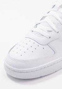 Nike Sportswear - COURT BOROUGH - Tenisky - white - 2