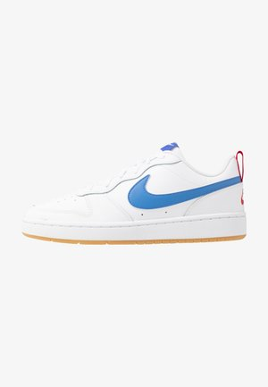 COURT BOROUGH UNISEX - Sneaker low - white/pacific blue/university red/light brown