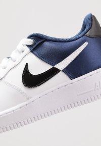 Nike Sportswear - AIR FORCE 1  - Matalavartiset tennarit - midnight navy/white/black - 2