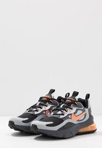Nike Sportswear - AIR MAX 270 REACT WINTER - Sneakers basse - black/total orange/wolf grey/dark grey - 3