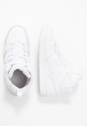 Vysoké tenisky - white