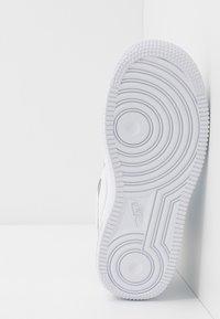 Nike Sportswear - FORCE 1 HIGHNESS - Sneakers hoog - white - 5