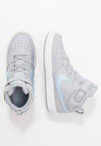 Nike Sportswear - COURT BOROUGH MID 2  - Vysoké tenisky - wolf grey/celestine blue/white - 0