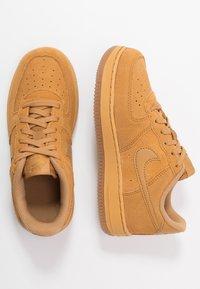 Nike Sportswear - FORCE 1 - Trainers - wheat/light brown - 0