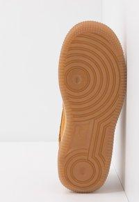 Nike Sportswear - FORCE 1 - Trainers - wheat/light brown - 5