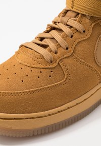 Nike Sportswear - FORCE 1 MID LV8 3 - Vysoké tenisky - wheat/light brown - 2