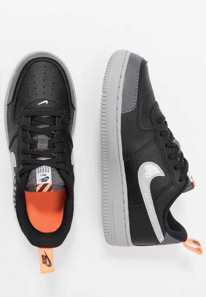Nike Sportswear - FORCE 1 LV8 2 - Baskets basses - black/wolf grey/dark grey/total orange/white