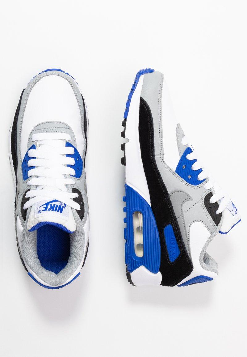 Nike Sportswear - AIR MAX 90  - Sneaker low - white/particle grey/light smoke grey/hyper royal