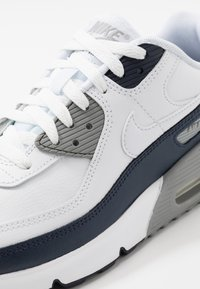 Nike Sportswear - AIR MAX 90  - Sneakers laag - white/particle grey/obsidian - 2