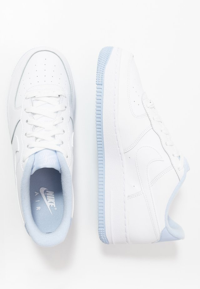 AIR FORCE 1 - Sneakersy niskie - white/hydrogen blue
