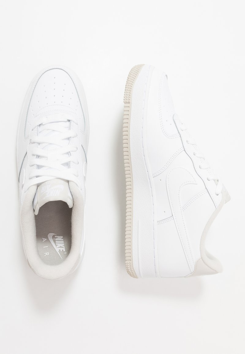 Nike Sportswear - AIR FORCE 1 - Matalavartiset tennarit - white/light bone