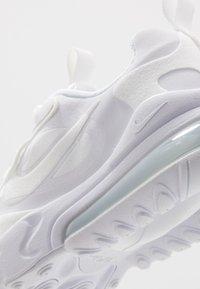 Nike Sportswear - AIR MAX 270 REACT - Sneakers laag - white/metallic silver - 2