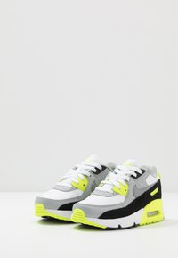 Nike Sportswear - AIR MAX 90  - Baskets basses - white/particle grey/light smoke grey/volt - 3