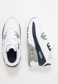 Nike Sportswear - AIR MAX 90 LTR - Sneakersy niskie - white/particle grey/obsidian - 0