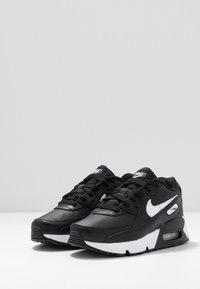 Nike Sportswear - AIR MAX 90  - Sneakersy niskie - black/white - 3