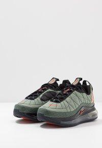 Nike Sportswear - MX-720-818 BG - Sneakersy niskie - jade stone/team orange/juniper fog/black - 3
