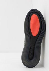 Nike Sportswear - MX-720-818 BG - Sneakersy niskie - jade stone/team orange/juniper fog/black - 5