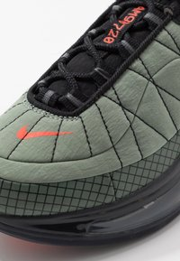 Nike Sportswear - MX-720-818 BG - Sneakersy niskie - jade stone/team orange/juniper fog/black - 2