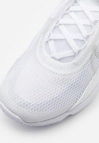 Nike Sportswear - AIR MAX 2090 UNISEX - Sneakers laag - white/black/wolf grey/pure platinum - 5