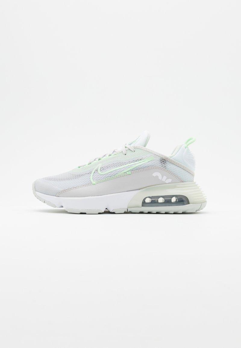 Nike Sportswear - AIR MAX 2090 - Sneakers laag - vast grey/vapor green/flat pewter/white