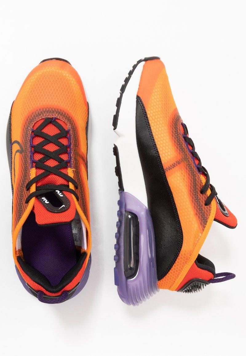 Nike Sportswear - AIR MAX 2090 UNISEX - Tenisky - magma orange/black/eggplant/habanero red