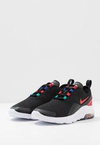 Nike Sportswear - AIR MAX MOTION 2 MC - Sneakers basse - black/university red/hyper blue/neptune green - 3