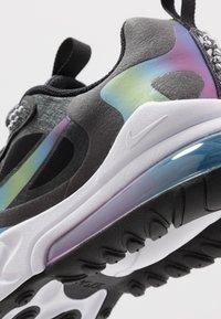 Nike Sportswear - AIR MAX 270 REACT 20 - Tenisky - dark smoke grey/multicolor/black/white - 2