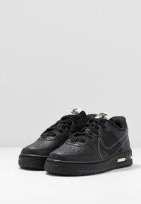 Nike Sportswear - AIR FORCE 1 REACT - Baskets basses - black/anthracite/violet star/barely volt - 3