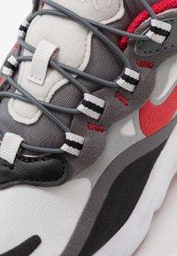 Nike Sportswear - AIR MAX 270  - Sneakers laag - black/university red/iron grey/vast grey - 2