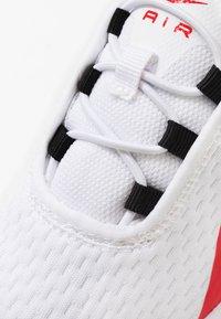 Nike Sportswear - AIR MAX MOTION 2 - Sneakers - white/university red/black - 2
