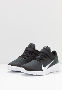 Nike Sportswear - EXPLORE STRADA - Zapatillas - black/white - 3