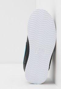 Nike Sportswear - CORTEZ BASIC - Zapatillas - black - 5