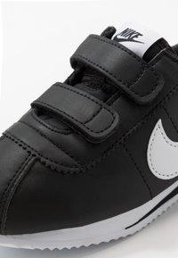 Nike Sportswear - CORTEZ BASIC - Zapatillas - black/white - 2