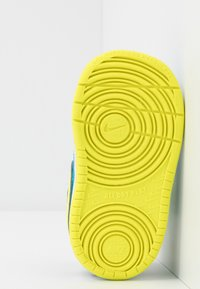 Nike Sportswear - COURT BOROUGH 2 - Sneakers laag - midnight navy/lemon/black/anthracite - 5