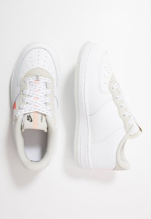 FORCE 1 LV8 3  - Trainers - white/total orange/summit white/black