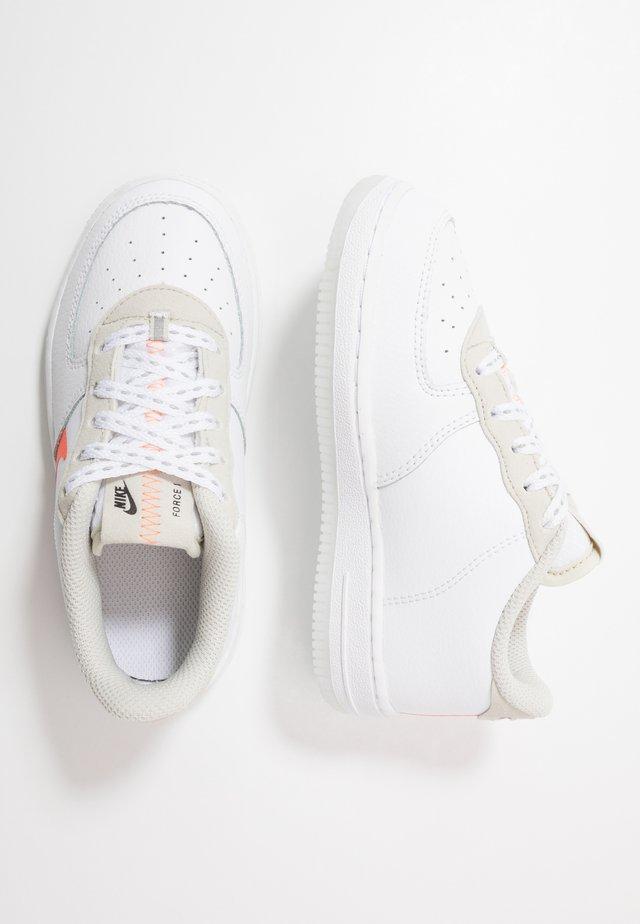 FORCE 1 LV8 3  - Sneakers laag - white/total orange/summit white/black