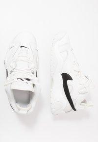 Nike Sportswear - AIR BARRAGE - Sneaker high - summit white/black - 0