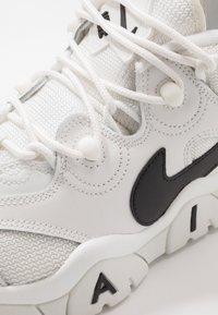 Nike Sportswear - AIR BARRAGE - Sneaker high - summit white/black - 2