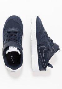 Nike Sportswear - SQUASH-TYPE - Sneakers basse - obsidian/midnight navy/white - 0