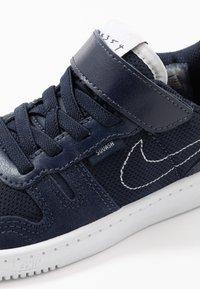 Nike Sportswear - SQUASH-TYPE - Sneakers basse - obsidian/midnight navy/white - 2