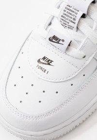Nike Sportswear - FORCE 1 - Sneakers laag - white/black - 2