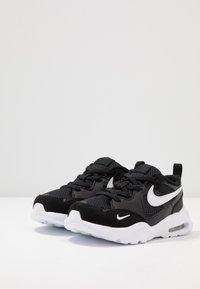Nike Sportswear - AIR MAX FUSION - Baskets basses - black/white - 3