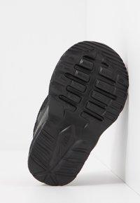 Nike Sportswear - AIR MAX FUSION UNISEX - Sneakers basse - black - 5