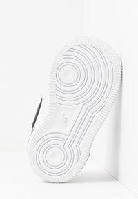 Nike Sportswear - FORCE 1 AN20 - Sneakers laag - white/black - 5